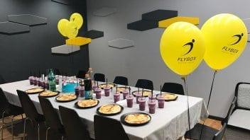 מסיבת יום הולדת ב - FlyBox